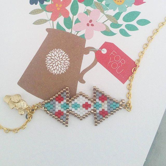 Tissage suite : le collier #perlesaddict #jenfiledesperlesetjassume #brickstitch#cactuslover