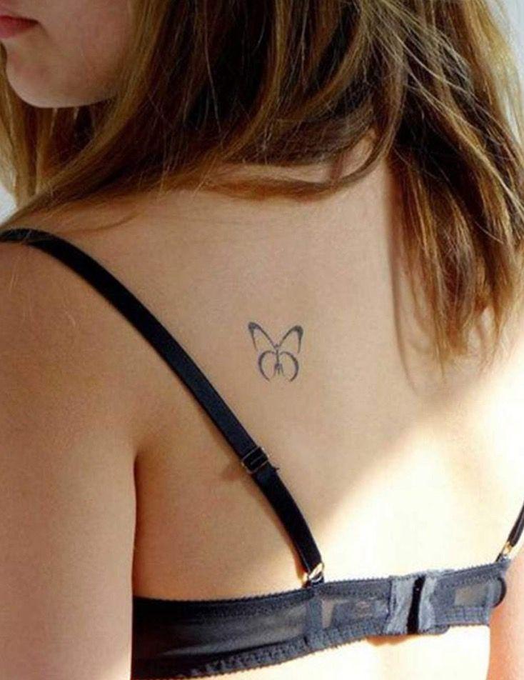 Tatouage papillon discret