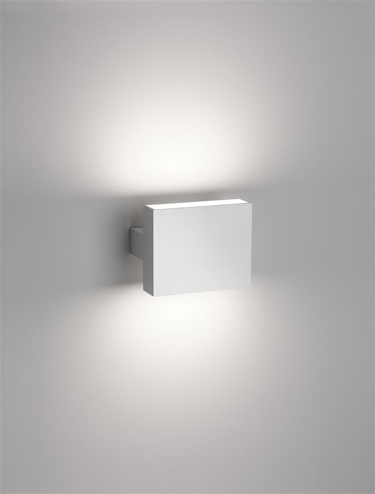 Flos TSIH, wall lamp _ pure and discrete source of lighting by Italian architect Piero Lissoni _