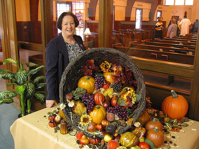Thanksgiving Decorations Ideas For Church , themediocremama