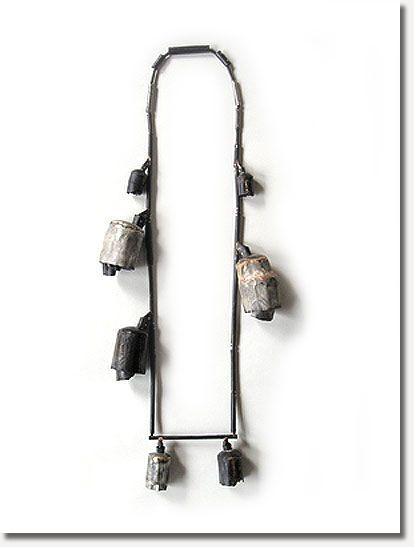 Elisa Deval -  necklace 2007 – Silver, shibuishi lacquer