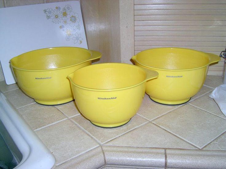 Kitchenaid set of 3 mixing bowls new in orig pkg