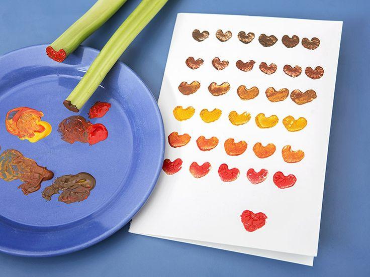 DIY-Anleitung: Valentinstagskarte mit Herzstempel aus Sellerie selber machen via DaWanda.com