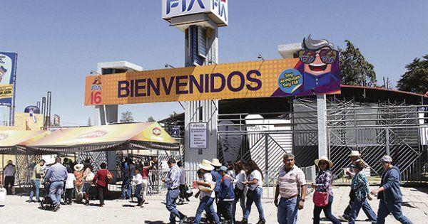 Feria de Cerro Juli bate récord de asistencia en este año LaRepública.pe Este año FIA se renovó con la llegada del primer Zoológico Virtual de Latinoamérica: Magitek Virtual ZOO. Los asistentes vivieron una experiencia de ...