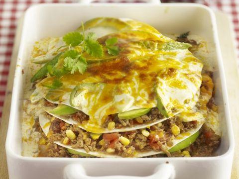 Mexicaanse lasagna  tacokruiden: 1 zakje (of gewoon zelf maken: voor 5 theelepels tacokruiden vermengt u:1 tl.zout*1 1/2 tl.paprikapoeder*1 tl. chilipoeder*3/4 tl. knoflookpoeder*1/2 tl.suiker en 1/4 tl. nootmuskaat. Per 100 gr.vlees hebt u 1 tl. van dit pikante kruidenmengsel nodig. Behalve door vlees smaken de kruiden ook lekker in tomatensaus of een rijstgerecht)