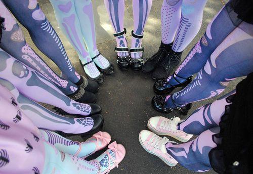 Pastel goth legs <3