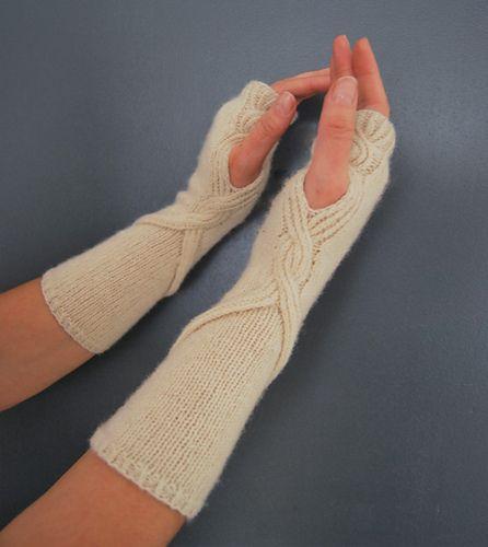 Firenze mittens #knitting #pattern #mittens #cable #texture