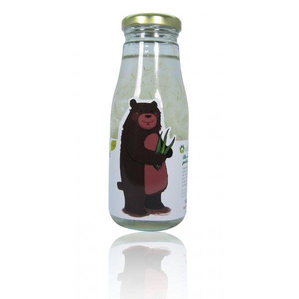 Aloe Vera Juice in Pandan Leaves Extracted