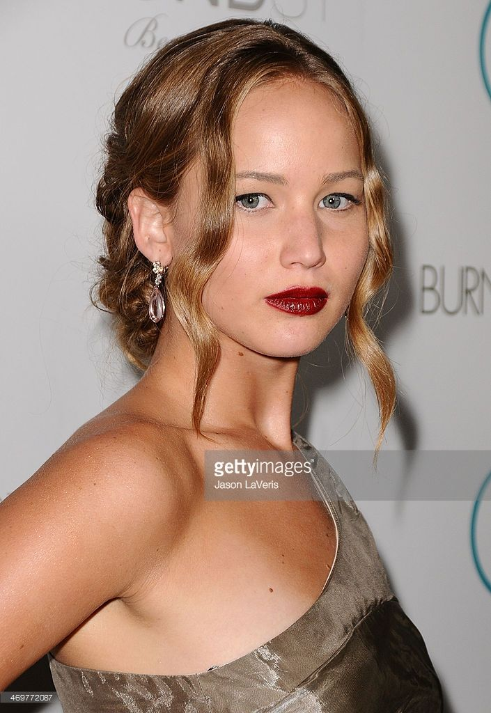 Actress Jennifer Lawrence attends the premiere of 'The Burning Plain' at Thompson Hotel on September 14, 2009 in Beverly Hills, California.  (Photo by Jason LaVeris/FilmMagic)