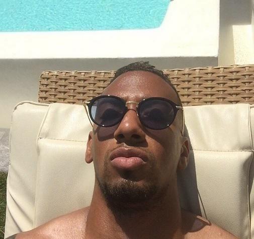 Poolside  @FCBayernEN's Jerome Boateng enjoys the sun on his end-of-season break (via @JB17Official) #Bundesliga