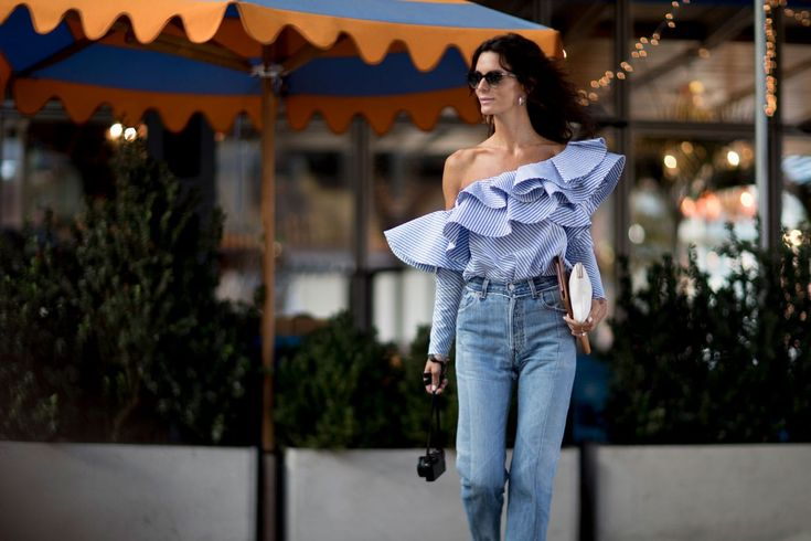 If the prospect of picking out an outfit is deterring you from enjoying great food and great weather, we bring you five brunch outfit ideas to try.