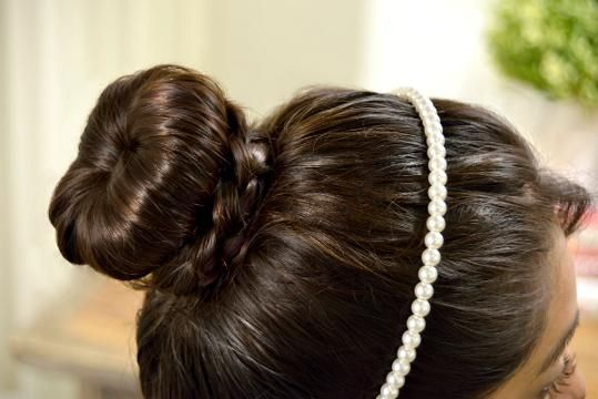 Cómo hacer un Chongo con Trenza, Boutique Bows, Wedding Videos, Tips Belleza, About Hair, Most Beautiful Pictures, Bobby Pins, Headbands, Vintage Inspired, Hair Accessories