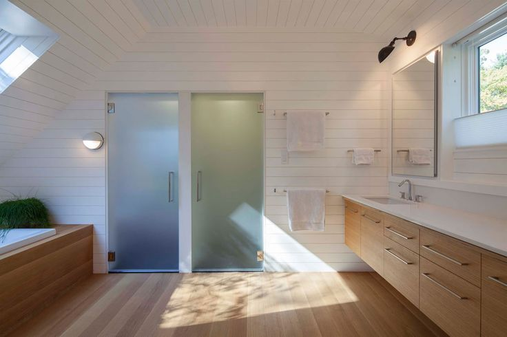 Professor's Row Renovation by aamodt / plumb arch (18) 浴室