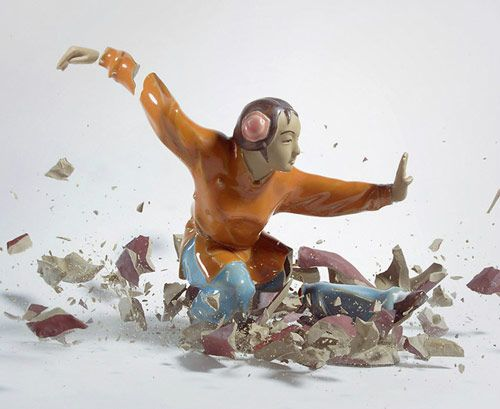 Martin Klimas / Photos of shattering figurines. Awesome.
