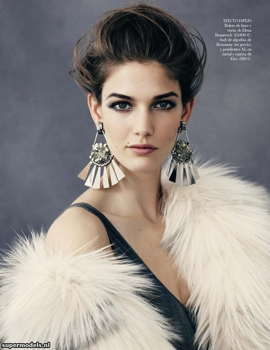 Kendra Spears in 'Cálido Verano' - Photographed by Ben Weller (Vogue España February 2013)    Complete shoot after the click...