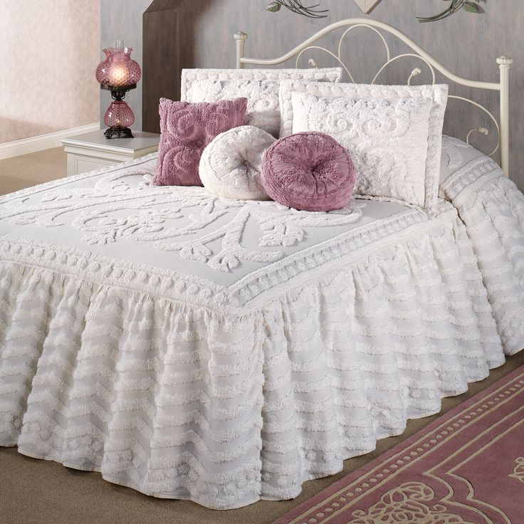 262 best Chenille images on Pinterest Chenille bedspread Vintage