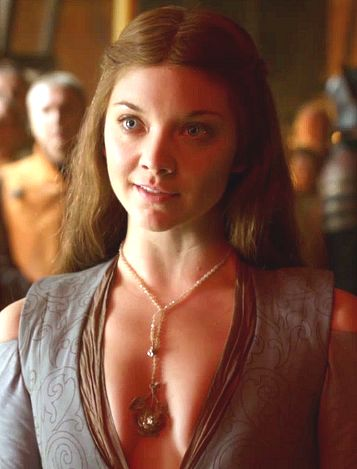 Margaery Tyrell's rose necklace.