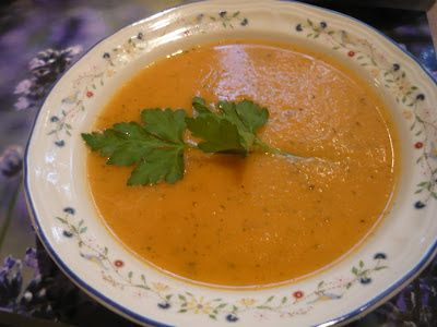 Crème de tomates à l'ail confit