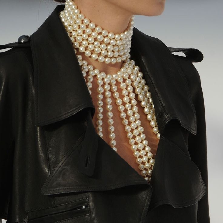 102 runway — Chanel Spring-Summer 2012