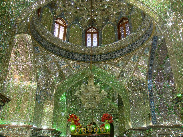 http://japan.digitaldj-network.com/articles/32732.html イランのモスク「シャー・チェラーグ廟 (Shah Cheragh) (via. Vicky Eleftheriou)