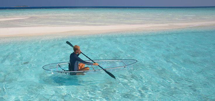 Wow, Imaginaos el paraíso desde este bote cristalino observando los peces y el fondo del mar... Hotel Baros, #Maldivas