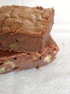 Rosenoisettes, Calme et Gourmandises...: Brownie au chocolat noir et noix sans beurre à la compote de pommes onctueuse