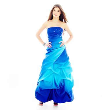 Kaley's New Prom Dress... looks fab on her.