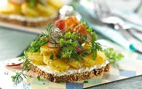 Grov kartoffelmad med ost og friske krydderurter