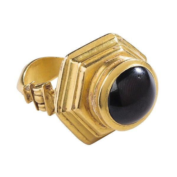 Hellenistic Garnet Ring, 2nd -1st century BC, Greek, gold with large cabochon garnets.