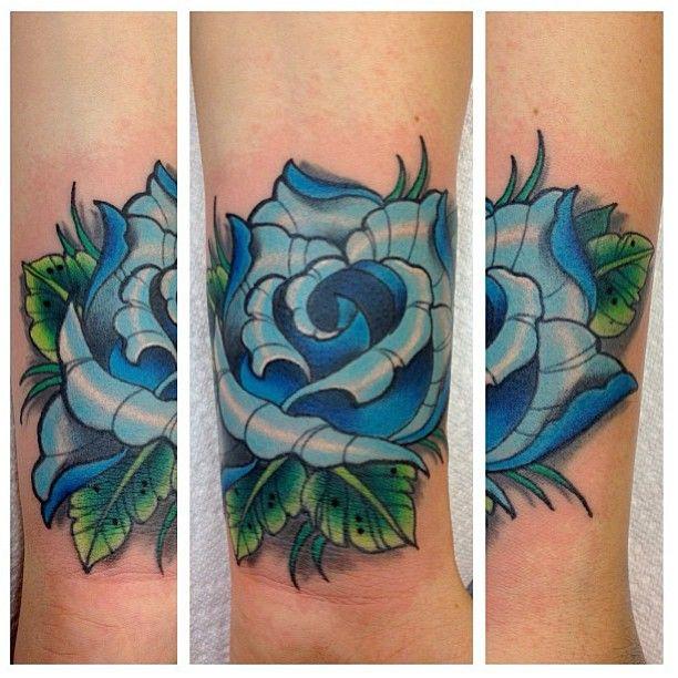 1000 ideas about flower tattoos on wrist on pinterest lotus tattoo wrist small lotus flower. Black Bedroom Furniture Sets. Home Design Ideas