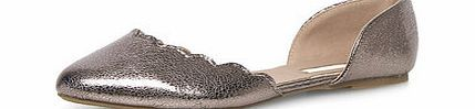 Dorothy Perkins Womens Wide fit Silver scollop edge open pumps- Silvr scollop edge wide fit open flat pumps 100% Polyurethane. http://www.comparestoreprices.co.uk/womens-shoes/dorothy-perkins-womens-wide-fit-silver-scollop-edge-open-pumps-.asp
