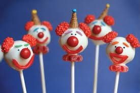 Clown Cake Pops. Instructions on how to make them came from Cake Pops by Bakerella.