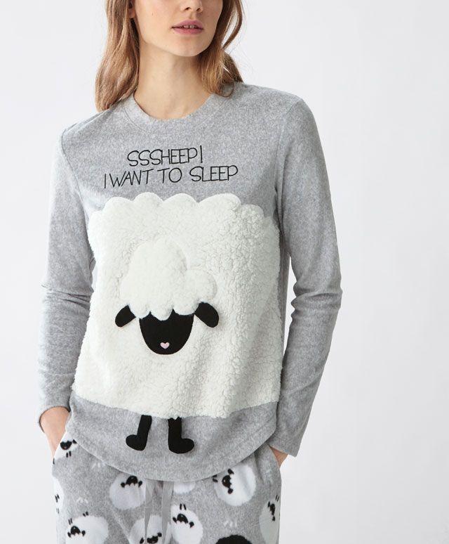 Blusa polar ovelhinha grande - Novidades -Tendências AW 2016 em moda de mulher na Oysho online: roupa interior, lingerie, roupa desportiva, étnica, boho, sapatos, complementos, acessórios e moda de banho.