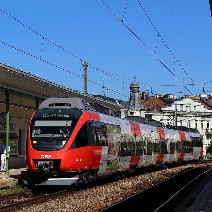 """Ein Talent fährt in die Station """"Wien Gersthof"""" ein. #oebb #öbb #unsereoebb #4024 #Talent #140 #S45 #Gersthof #sbahnwien #sbahn #wien #schnellbahn #öpnv #öffentlicherverkehr #eisenbahnfotografie #trainphotographics #train_nerds #railways_of_our_world #eisenbahnbilder #eisenbahn #zug #BR4024 #ÖBB4024"""