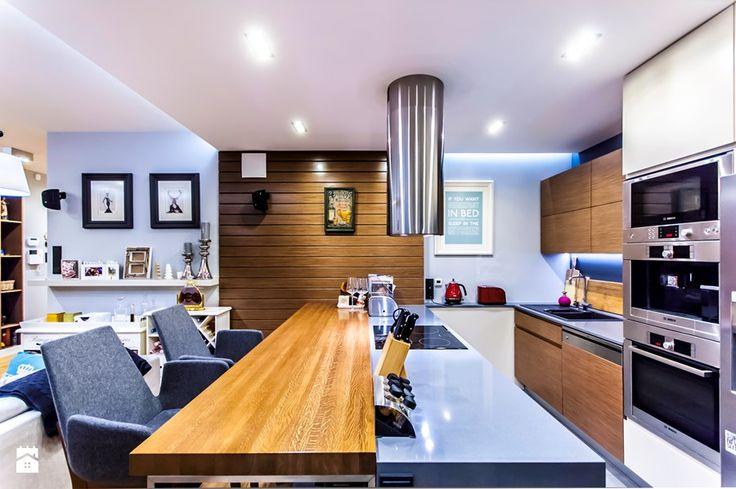 APARTAMENT NAD MORZEM - Duża otwarta kuchnia w kształcie litery l z wyspą, styl vintage - zdjęcie od STUDIO FORMA