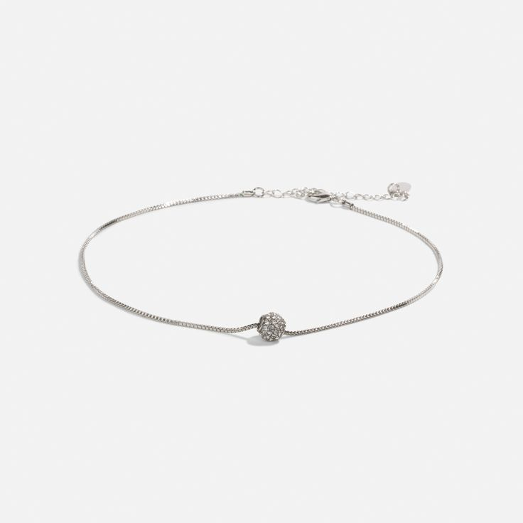 Simple yet elegant, this choker is perfect for everyday wear!