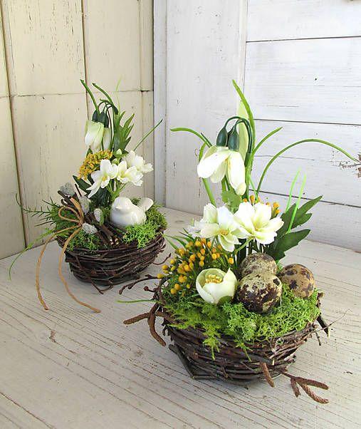 artina   Jarná dekorácia hniezdo (púčiky)  3bbe7cbf443