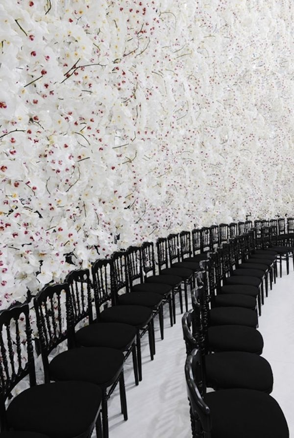 WOW to this backdrop of Dior Haute Couture, Autumn / Winter 2014 show!