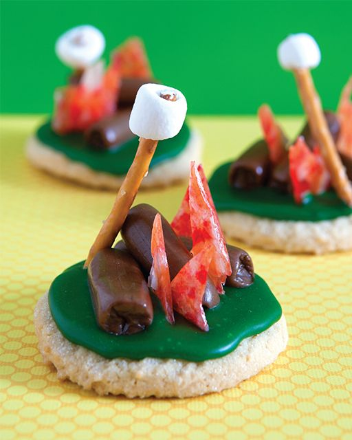 Campfire Cookies from the Book 'SMART COOKIE: Transform Store-Bought Cookies into Amazing Treats' | Sweet Paul Magazine