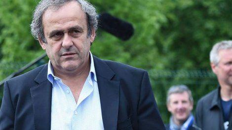 Les grandes personnalités du monde du football français ont réagi au décès de Louis Nicollin. Michel Platini avoir perdu un frère, Noël Le Graët confie sa profonde tristesse, tandis que Rolland Courbis évoque un personnage difficile à remplacer.