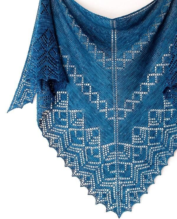 Shawl Patterns Knit : 553 best images about Knit - Shawls on Pinterest Free pattern, Knitted shaw...