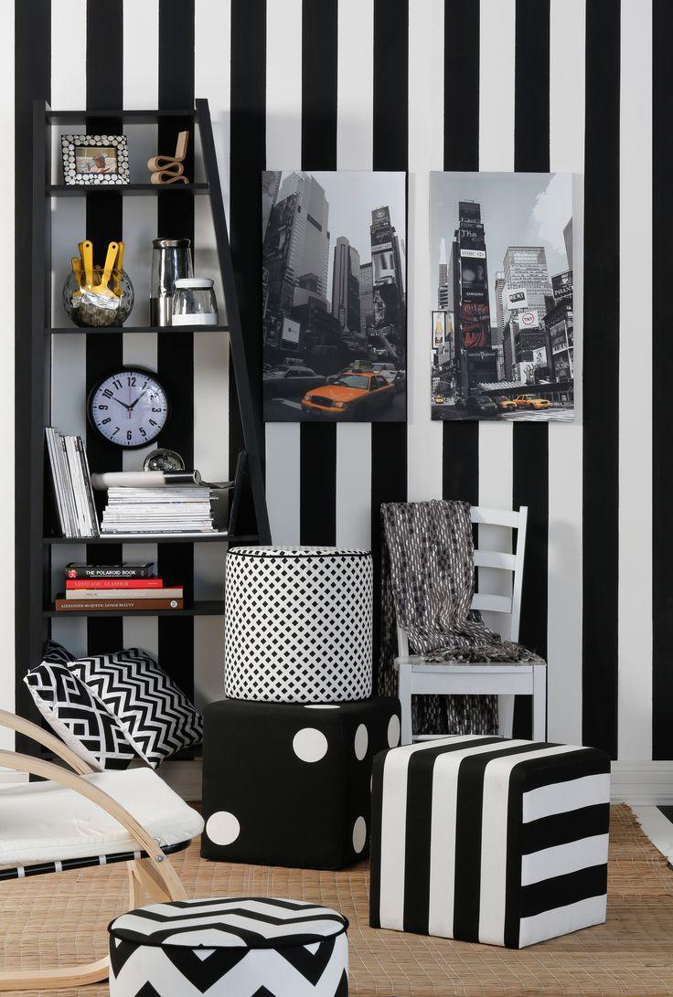 Los pouf son una excelente opción para decorar salas de estar.