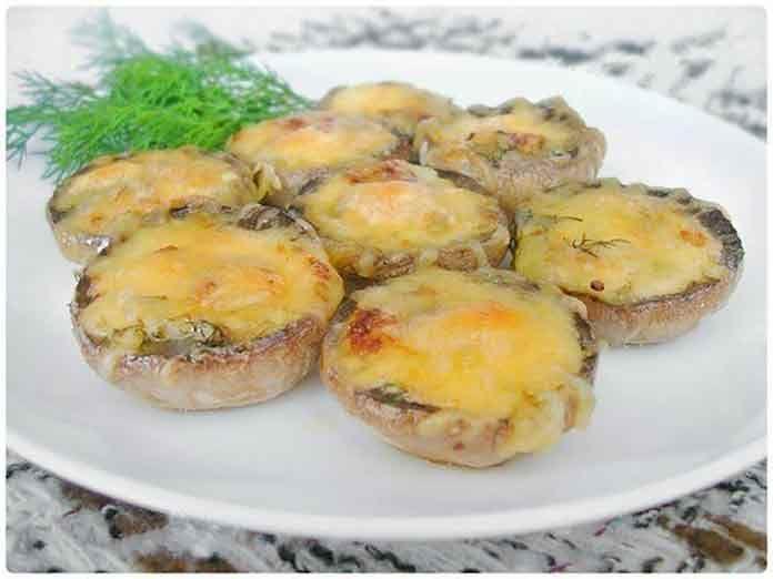 Шампиньоны запеченные с сыром в духовке | Готовим рецепты
