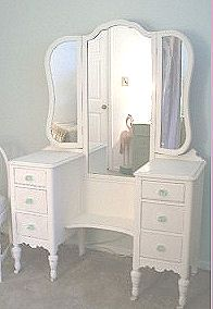 old bedroomvanities | Vintage shabby chic bedroom vanity table set and mirror for a teen or ...