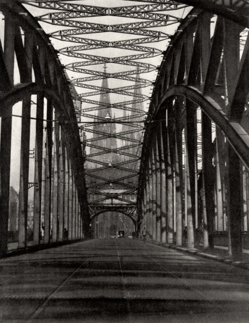 Germany. View from inside bridge, Cologne, 1928. // E.O. Hoppe