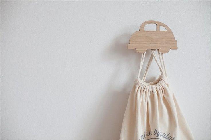 Decoratieve kledinghaak, AUTO, van het deense Hagelens. - webwinkel _ uit 't Noorden