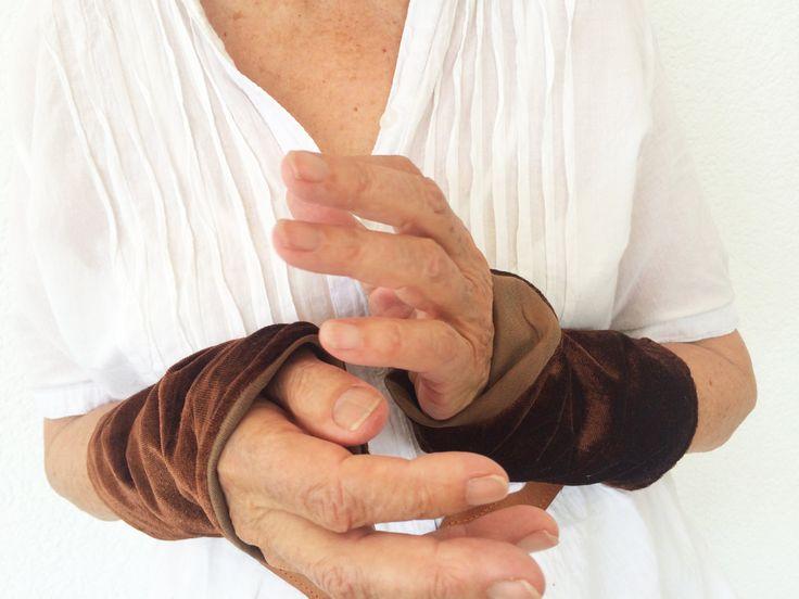 Wrist Warmer, Velvet Wrist warmer, Arm Warmer, Fingerless Gloves, Winter accessoires ,Mittens, Stocking Stuffer, Gift for Her, by GipsyJingle on Etsy