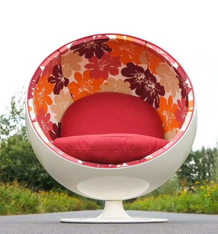 Spectacular Ball Chair Makeover In Bruges, Belgium