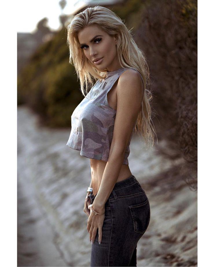 Leanna Bartlett  eautyeast  Gorgeous women Girl celebrities Sexy
