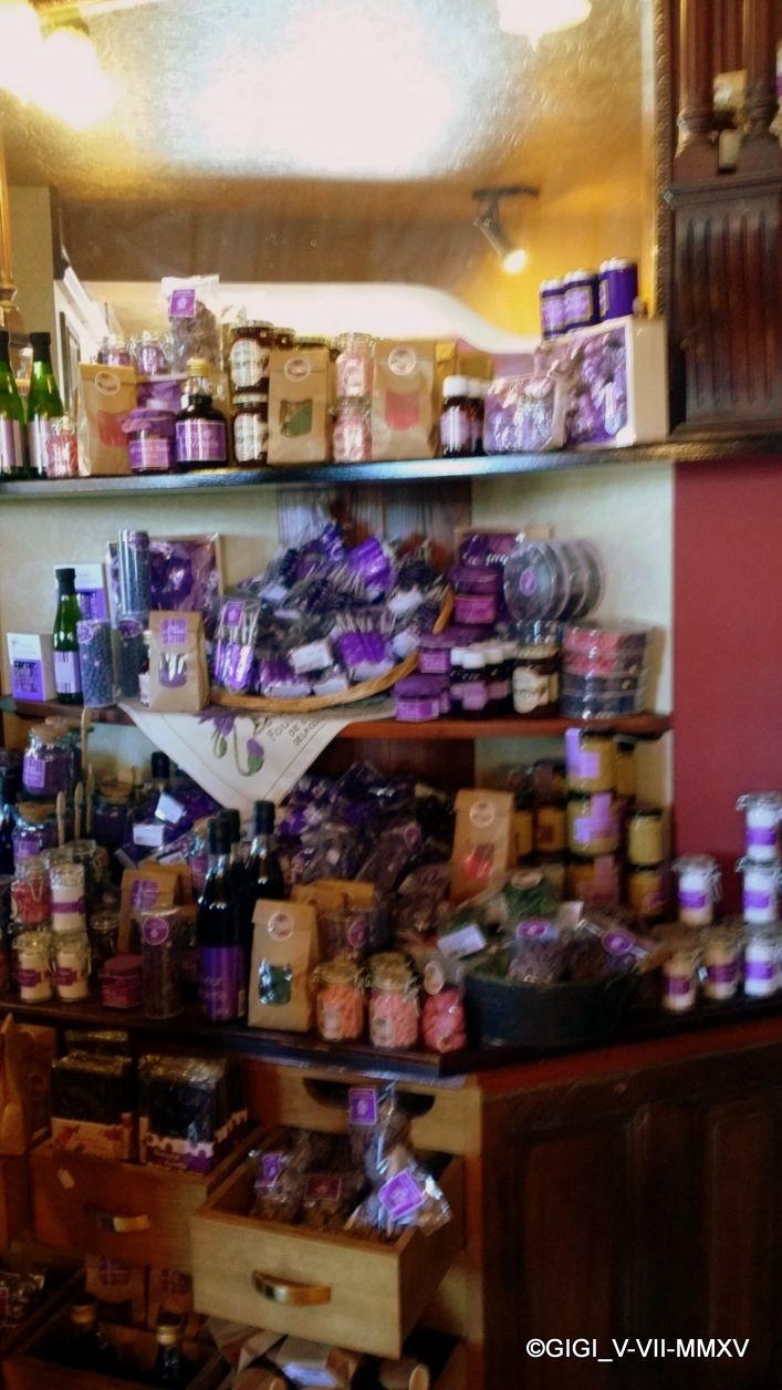 86 best images about la maison du biscuit sortosville en for Maison violette toulouse